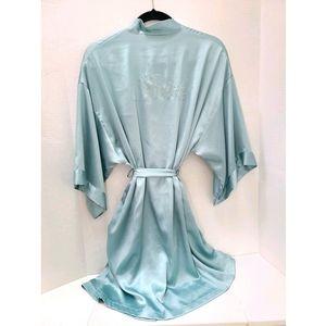 Bride Victoria Secret's satin blue robe